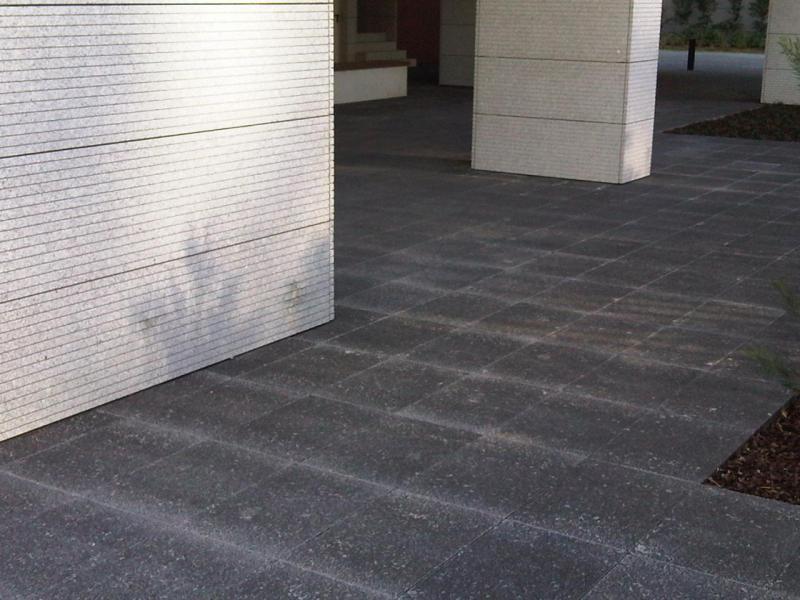 amop pavings fu b den f r den au enbereich fliesen hydraulik platten aus beton. Black Bedroom Furniture Sets. Home Design Ideas